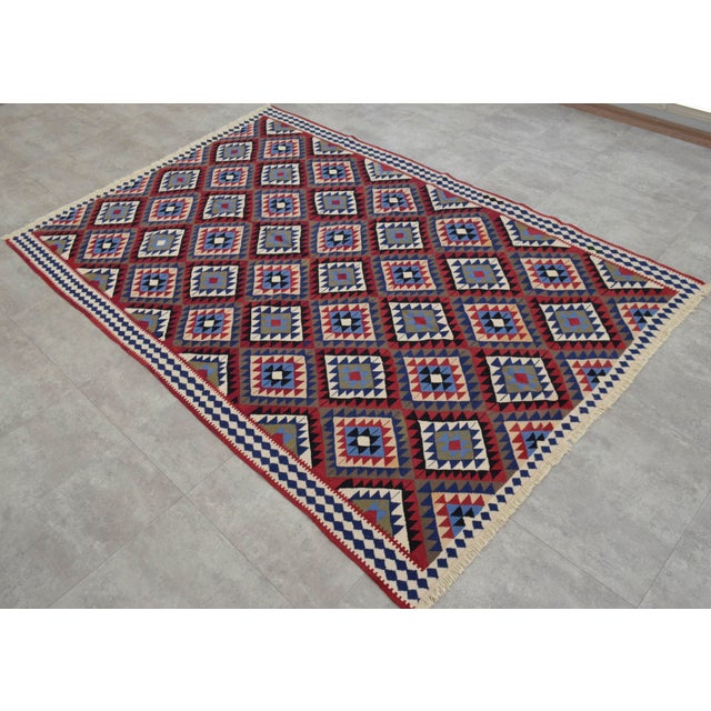 Turkish Kilim Hand-Woven Rug - 4′9″ × 8′2″ - Image 5 of 9