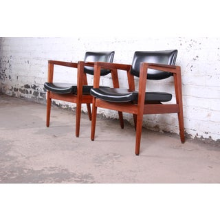 Jens Risom Style Mid-Century Modern Solid Walnut Lounge Chairs by Gunlocke, Pair Preview