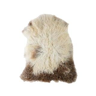 Hand-Tanned Sheepskin Pelt Rug - 2′3″ × 3′6″ For Sale