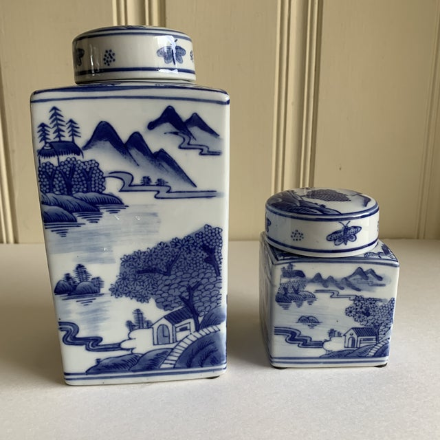 Asian Chinoiserie Blue & White Ceramic Canisters, Set of Two For Sale In Los Angeles - Image 6 of 10