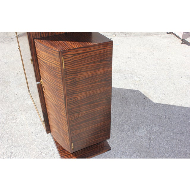 1940s 1940s French Art Deco Macassar Ebony Vitrine China Cabinet For Sale - Image 5 of 10