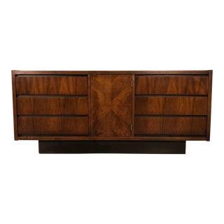 Lane Mid-Century Modern 6-Drawer Dresser / Credenza / Tv Stand For Sale