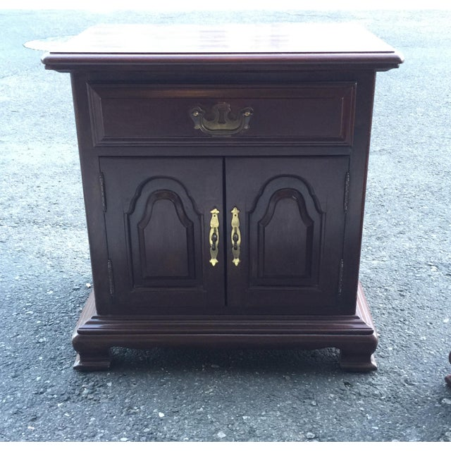 Kling Colonial Mahogany Wood Nightstands - A Pair - Image 2 of 11