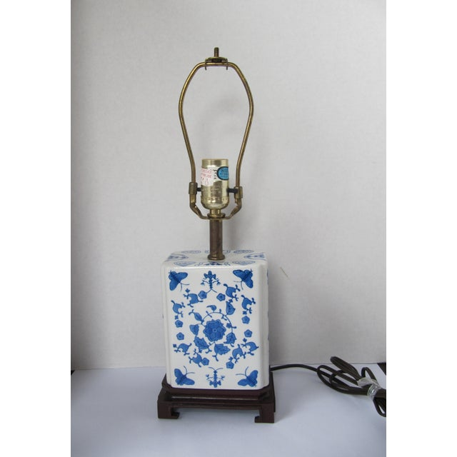 Ceramic Blue and White Chinoiserie Lamp For Sale - Image 7 of 7