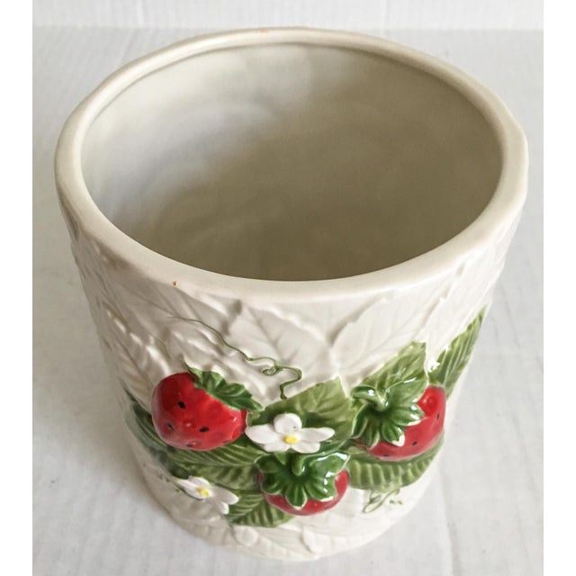 Strawberry Relief Ceramic Cachepot - Image 4 of 7