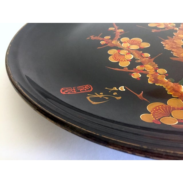 Lacquer Vintage Mid Century Japan Hand Painted Flower Branch Blossoms Large Round Lacquer Tray Platter For Sale - Image 7 of 13