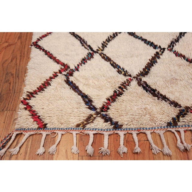 Mid 20th Century Vintage Beni Ourain Moroccan Ivory Rug - 4′8″ × 7′8″ For Sale - Image 5 of 9