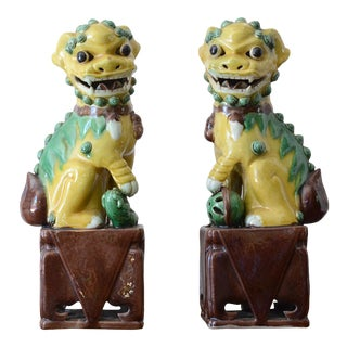 1940s Foo Dog Statues - a Pair For Sale