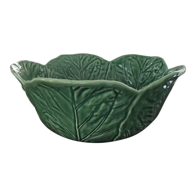 1980s Large Bordallo Pinheiro Majolica Green Cabbage Leaf Salad Bowl For Sale