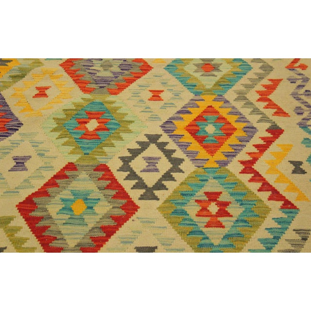 2010s Araceli Ivory/Red Hand-Woven Kilim Wool Rug -6'9 X 10'0 For Sale - Image 5 of 8