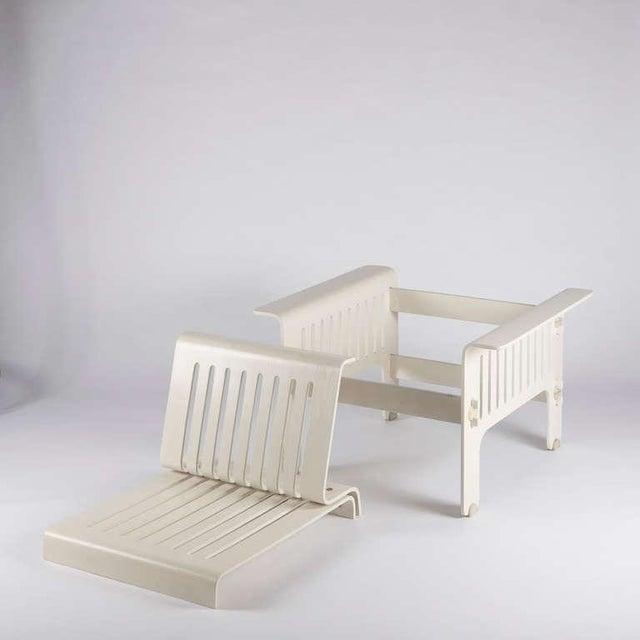 "Wood Impressive ""Triennale"" Armchairs by Ammannati and Vitelli for Rossi di Albizzate For Sale - Image 7 of 10"