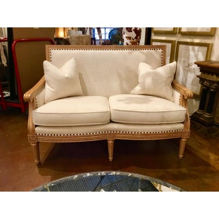 Thomasville Transitional White Nassau Settee Preview