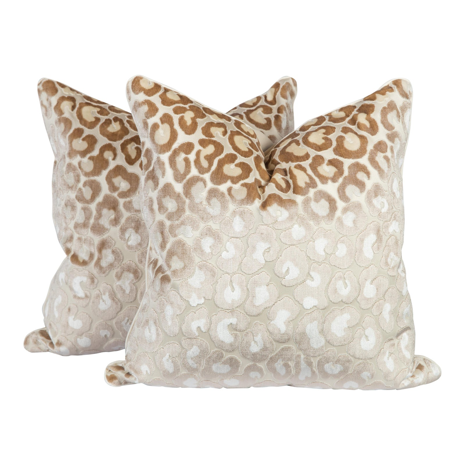 whi kevin velvet sg white dec leopard pillow pillows obrien discontinued studio tn leop