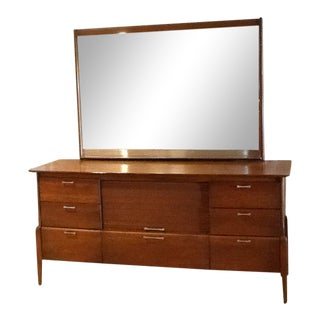 Sale - Vintage Mid-Century Heywood Wakefield Dresser & Mirror For Sale