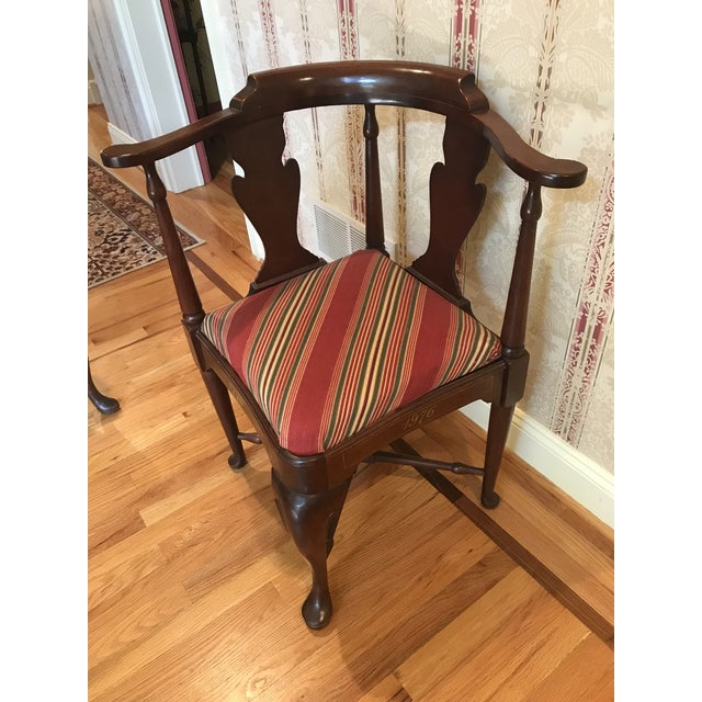 Beautiful Queen Anne Corner Chair in Solid Mahogany which was made for the Bi-Centennial of the United States and released...