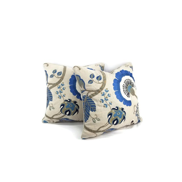 From Manuel Canovas is Bordeaux in the color Ciel. This pillow is backed with a light tan coordinating fabric that has...