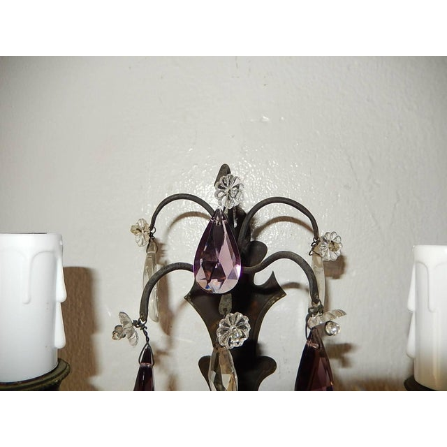1910s French Burnished Brass Amethyst and Clear Crystal Prisms Sconces For Sale - Image 5 of 11