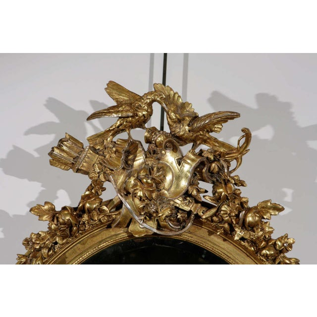 French Gilt Mirror with Love Birds For Sale In Los Angeles - Image 6 of 8