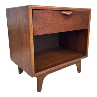 Mid-Century Modern Nightstand by Lane For Sale