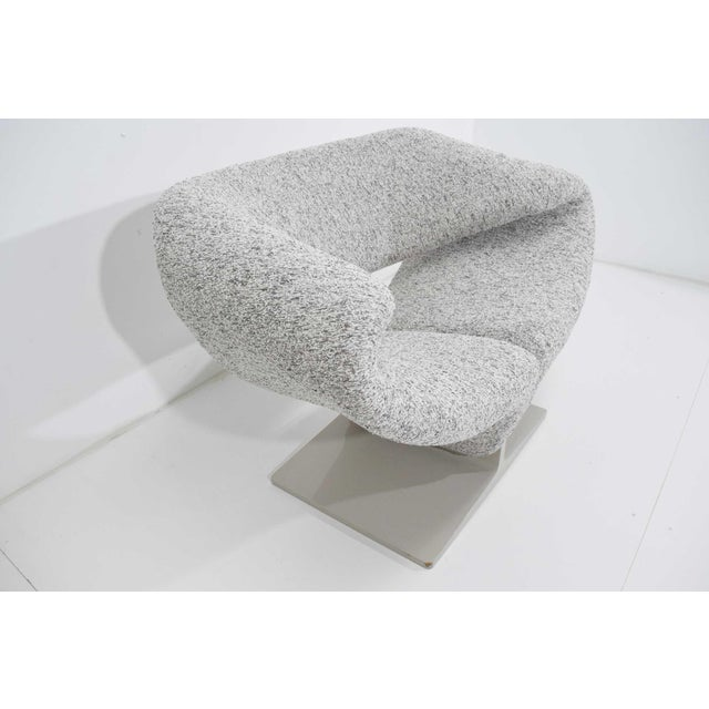 Gray Pierre Paulin Ribbon Chair in White and Gray Upholstery For Sale - Image 8 of 12