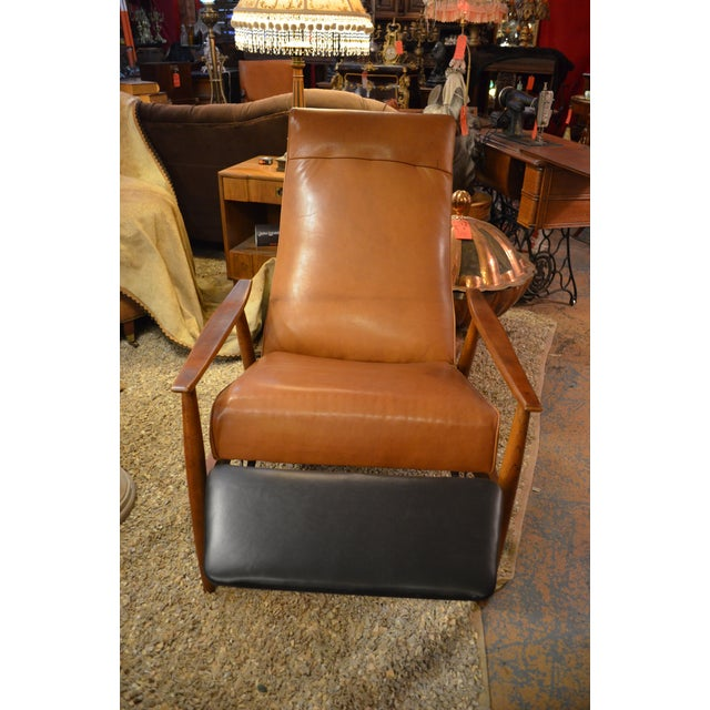 Vintage Mid Century Milo Baughman for Thayer Coggin Tighten Up Recliner Armchair Newly Upholstered For Sale In Chicago - Image 6 of 9