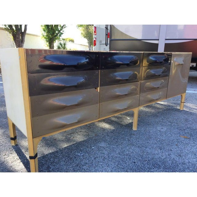 Mid-Century Modern Raymond Loewy Large Dresser Bp2000 Made in France For Sale - Image 3 of 12