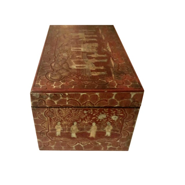 Chinese 19th Century Red and Gold Chinese Export Box For Sale - Image 3 of 8