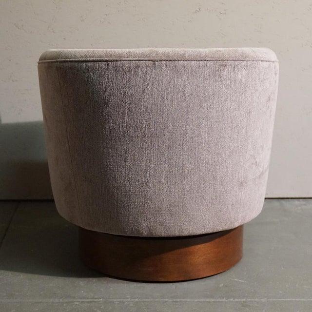 Milo Baughman Swivel Tub Chair - Image 5 of 7