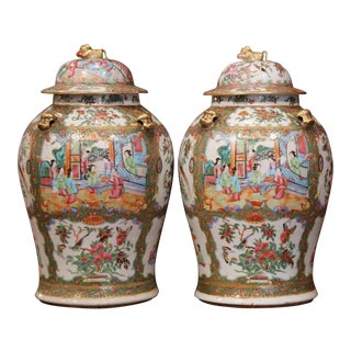 Pair of 19th Century Chinese Porcelain Famille Rose Jars With Foo Dogs Lids For Sale