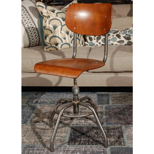 Industrial 1920 French Wood and Metal Swivel Chair For Sale - Image 3 of 8