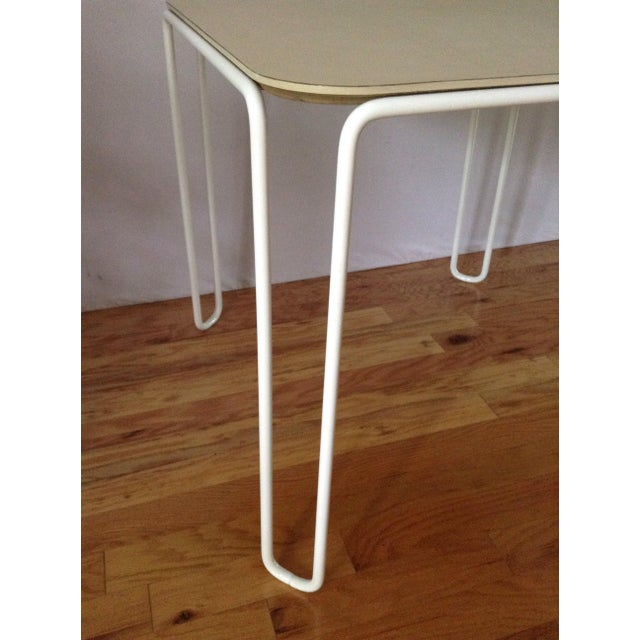 1960s Vintage Mid-Century Card Dinette Table Powder-Coat Hairpin Legs Off White Formica Top For Sale - Image 5 of 11