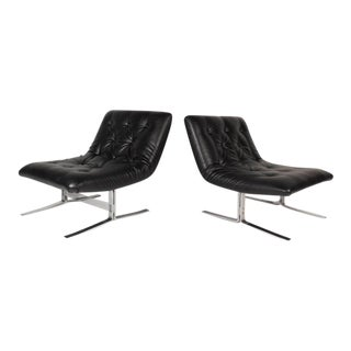 Vintage Modern Slipper Lounge Chairs in the Style of Milo Baughman - a Pair For Sale
