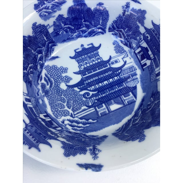 English Traditional Victoria Ware Ironstone Blue Willow Serving Bowl For Sale - Image 3 of 7