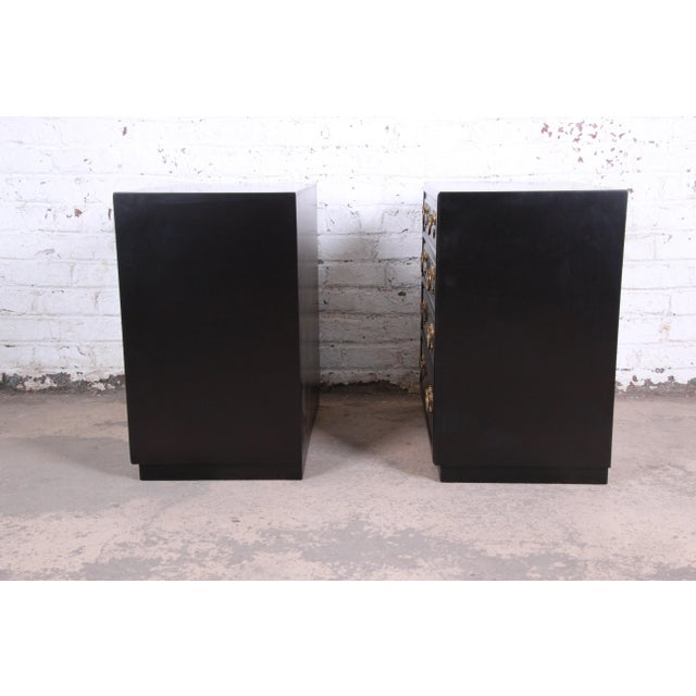 Henredon Mid-Century Hollywood Regency Ebonized Bachelor Chests or Large Nightstands - a Pair For Sale - Image 10 of 13