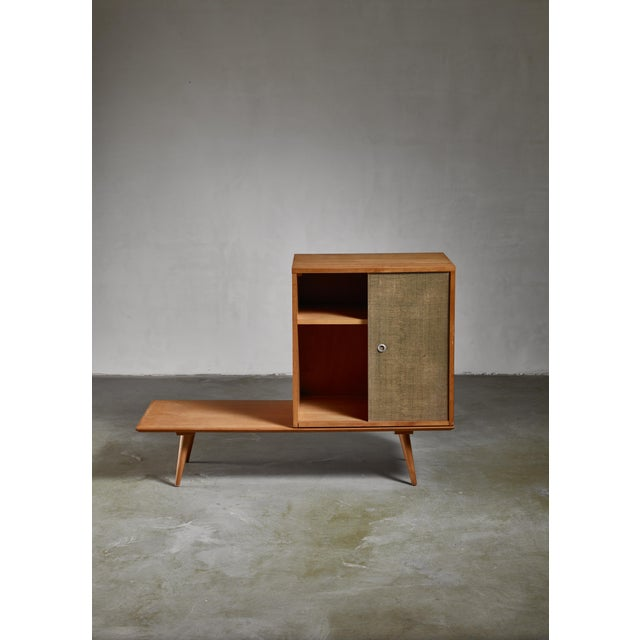 Mid-Century Modern Paul McCobb Planner Group Bench and Grass Cloth Sliding Door Unit For Sale - Image 3 of 6