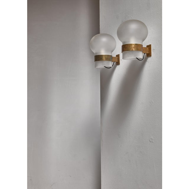 Fontana Arte Pair of Wall Sconces, Frosted Glass Shades with Brass, Italy, 1960s - Image 2 of 3
