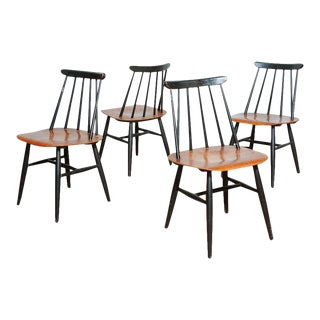 Set of Four Modern Spindle Back Dining Chairs Attributed to Ilmari Tapiovaari For Sale
