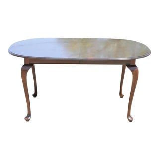 Ethan Allen Georgian Court Cherry Wood Queen Anne Oval Dining Table 1 Leaf For Sale
