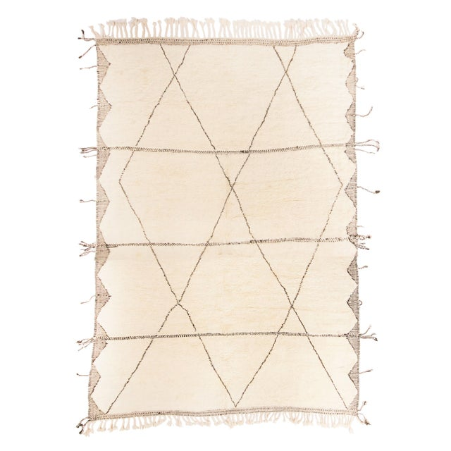 2010s Moroccan White and Black Wool Rug With Pile - 10′4″ × 14′11″ For Sale - Image 5 of 5