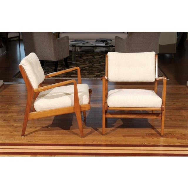Jens Risom Design Restored Pair of Maple Loungers by Jens Risom For Sale - Image 4 of 10