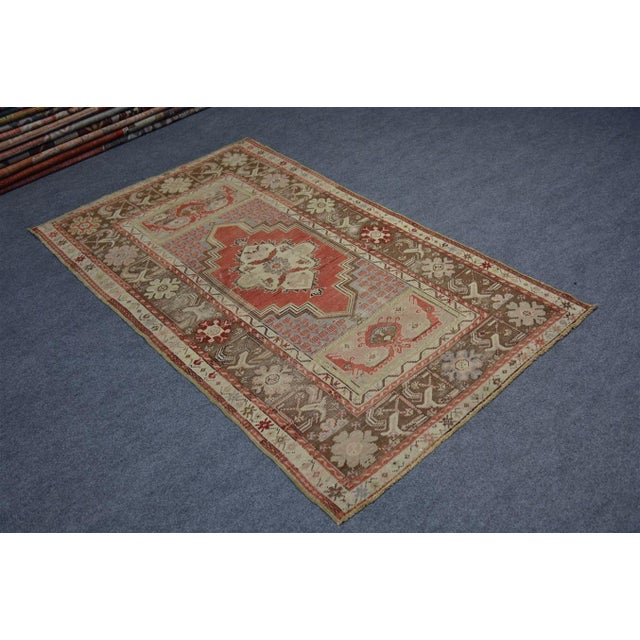 Turkish Vintage Oriental & Decorative Rug, 3'2″x5'3″ For Sale - Image 6 of 9