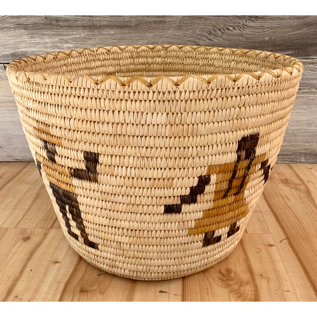 Authentic Vintage Native American Tohono O'Odham Woven Basket For Sale - Image 4 of 10