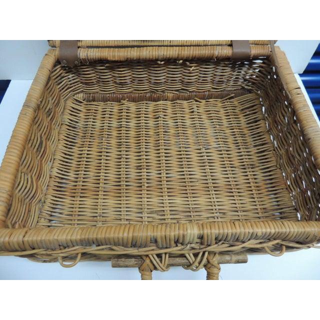 Vintage Picnic Wicker Basket - Image 6 of 9