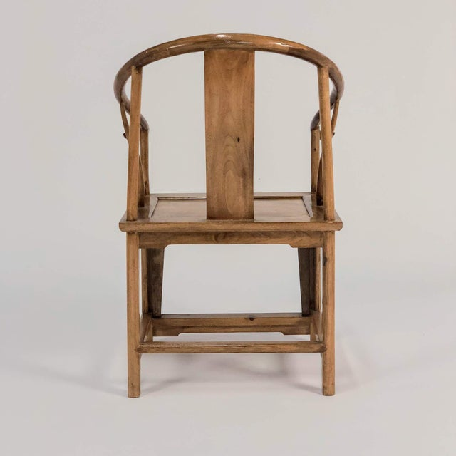 Mid-Century Modern Elm & Mahogany Yoke Back Chairs - a Pair For Sale - Image 4 of 7