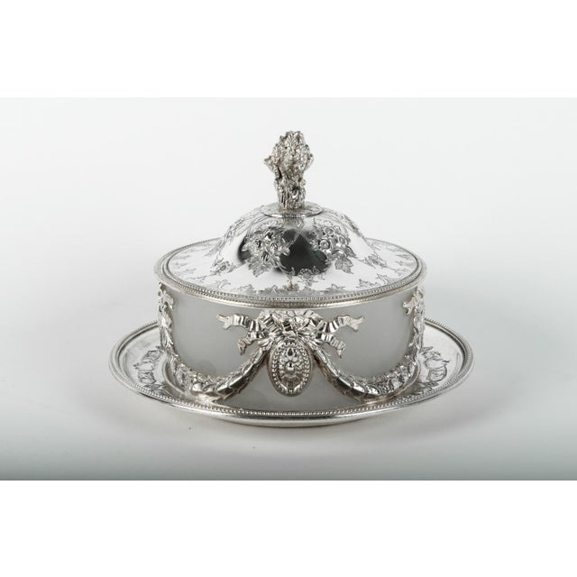 Old English Sheffield Silver Plate Table Display Piece For Sale In New York - Image 6 of 7