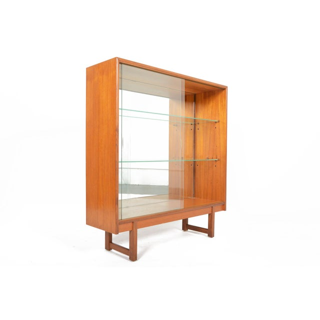 Mid-Century Modern Turnidge of London Sliding Glass Doors Bookcase For Sale - Image 3 of 7