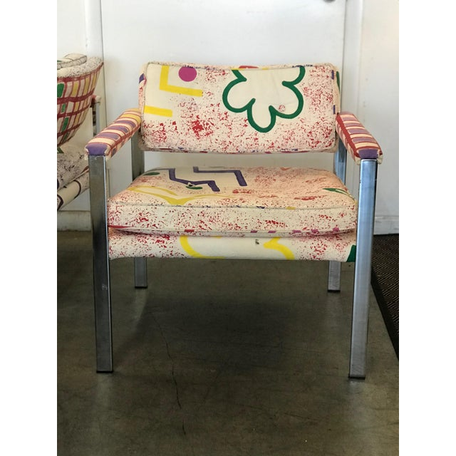 Chrome 1960s Mid-Century Modern Milo Baughman for Thayer-Coggin Pink and White Pattern Upholstered Club Chairs - a Pair For Sale - Image 7 of 11