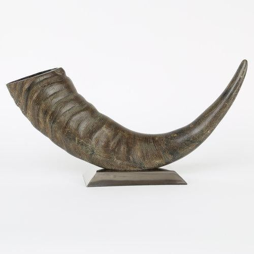 Brown 1970's VINTAGE SCULPTURAL WATER BUFFALO HORN ACCESSORY For Sale - Image 8 of 8