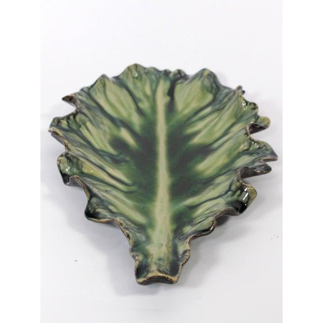 Large Acanthus Leaf Majolica Platter in Natural Green by Jardins en Fleur For Sale In Los Angeles - Image 6 of 10