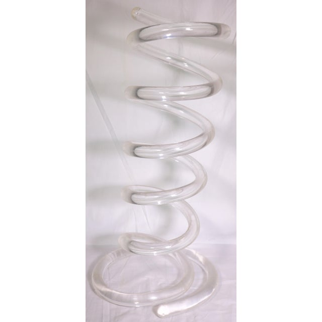 Transparent 1970s Dorothy Thorpe Lucite Spiral Spring Umbrella Stand For Sale - Image 8 of 8
